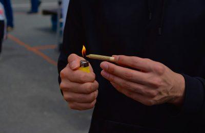 2019-06-28-Italianen Roken Massaal Joint Zonder High Te Worden