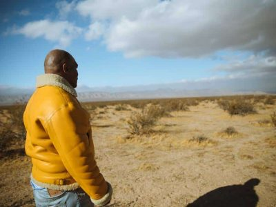 Mike Tyson dice che fuma $ 40.000 di erba nella sua fattoria ogni mese
