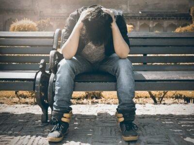 ფსიქიატრი იკვლევს PTSD- ს მკურნალობა ექსტაზით და კანაბითით