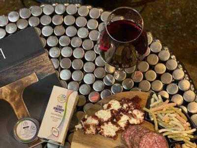 თქვენს ღვინოში CBD წვეთების მოთავსებამდე: რა უნდა იცოდეთ CBD და ალკოჰოლის შერევის შესახებ?