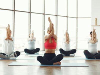 4 Manieren Waarop CBD Jouw Yoga En Meditatie Kan Verbeteren