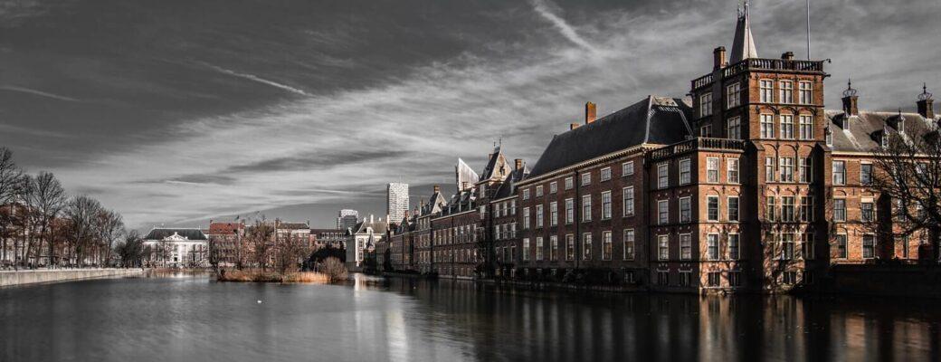 Nederlandse Minister Grappershaus Over Drugsgebruik S'avonds Tijdens Gedeeltelijke Corona Lockdown