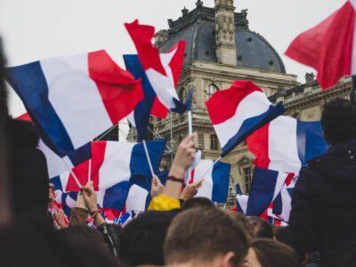 Ang France Nagpadayon sa Pagsulay Aron Maghatag 3000 Mga Pasyente nga Adunay Libre nga Medical Cannabis