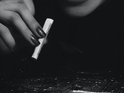 07-12-2020 კოლუმბიელი სენატორი მიზნად ისახავს კოკაინის ლეგალიზებას