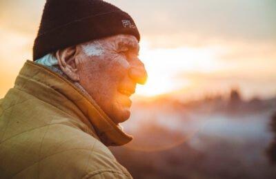 Τι έρευνα το 2021 λέει για τη χρήση κάνναβης από ηλικιωμένους ή ηλικιωμένους ενήλικες