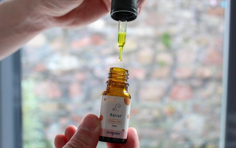 Geen vreemde smaak bij CBD capsules, zoals regelmatig bij CBD olie het geval is