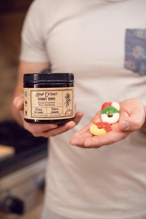 CBD gummies zijn discreet en makkelijk te doseren.