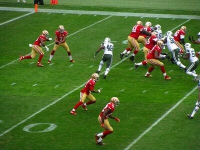 უფრო და უფრო მეტი ამერიკული ფეხბურთის NFL მოთამაშეები CBD- ის გამოყენებას უჭერენ მხარს