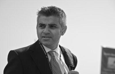Burgemeester Van Londen Sadiq Khan Moet Cannabis Nu Decriminaliseren