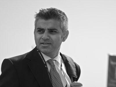 لندن کے میئر صادق خان کو اب بھنگ کا فیصلہ کرنا چاہئے