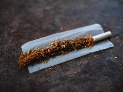 Pētījums: Kaņepju smēķētāji ieelpo mazāk toksisko vielu nekā cigarešu smēķētāji